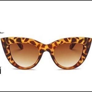 🕶 Brand New Cat Eye Sunglasses